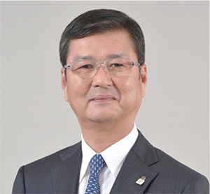 内田 隆 氏